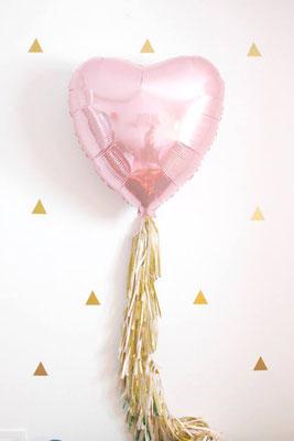 Сердце 75 см 365 р. Украшение из кисточек тассел по 30 р. одна кисточка.