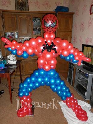 Человек-паук на каркасе 950 р.