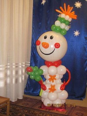 Снеговик на стойке выс. 170 см 700 р.