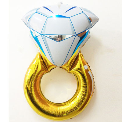 Кольцо с бриллиантом  пр-ва Китай выс. 86 см воздух 70 р., гелий 210 р.