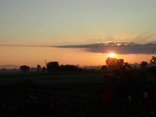 Sonnenaufgang nach einer kurzen Nacht