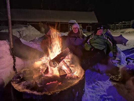 Lagerfeuer und Gemütlichkeit in Lappland