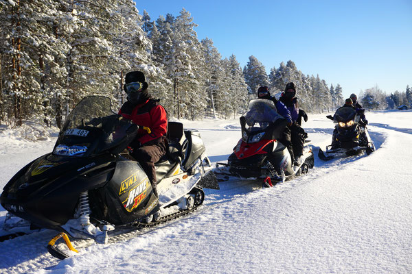 Geführte Schneemobiltouren