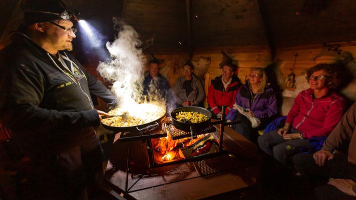 Grillabend am Feuer bei Lapplands Drag in Schweden