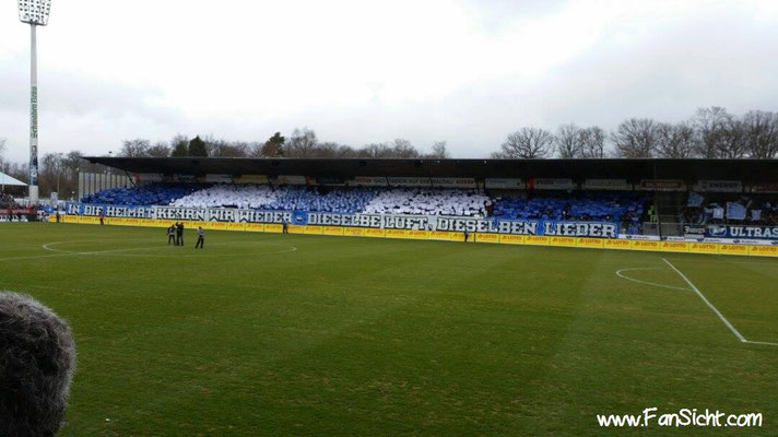 Choreo der Fans der Stuttgarter Kickers. Foto: Daniel Scha (via Facebook).