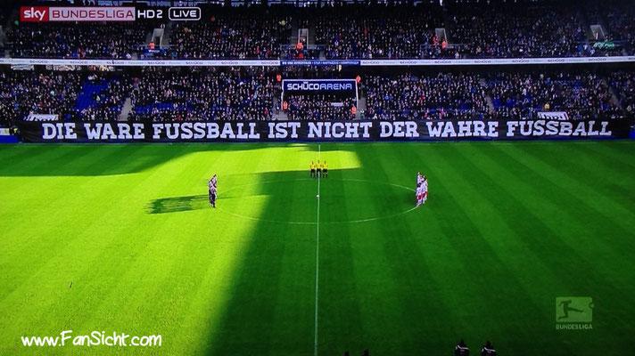 Choreo der Fans von Arminie Bielefeld gegen RB Leipzig.