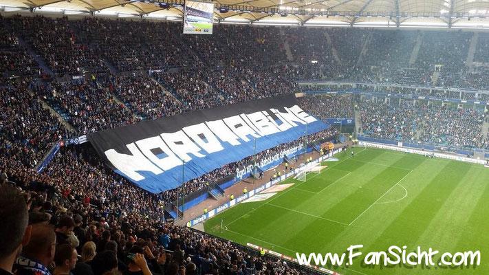 Choreographie der Fans vom Hamburger Sportverein. Foto: Maurice Leon Petrich (via Facebook).