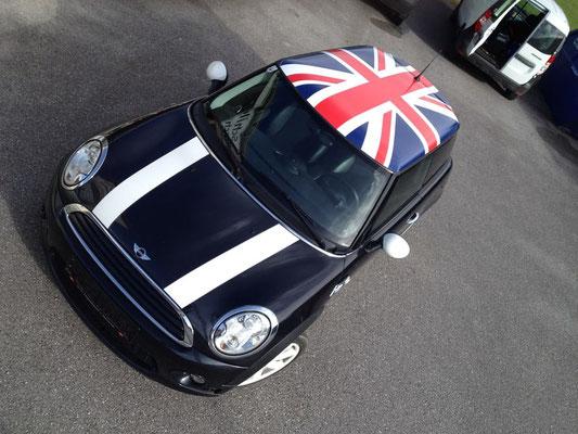 Mini Cooper: englische Flagge Dachbeschriftung
