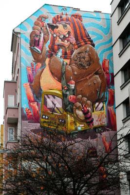 Haushohes Wandbild an der Warschauerstrasse 9
