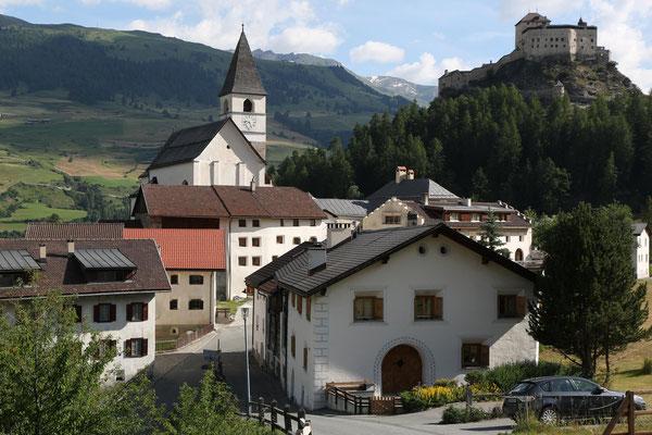beim Schloss Tarasp