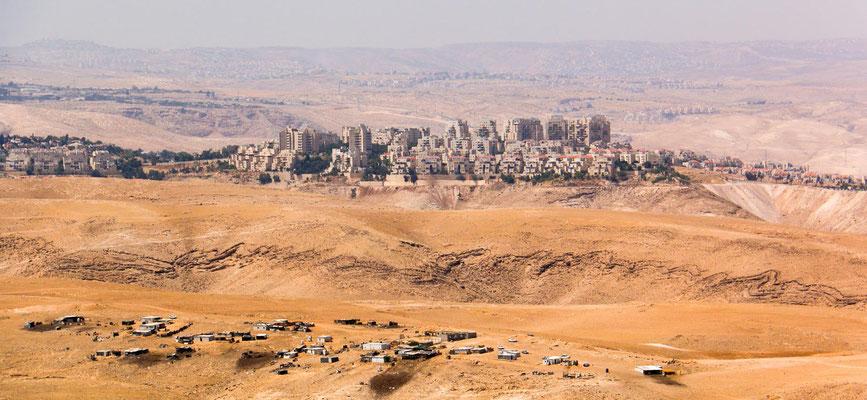 Siedlung, sonst einfach nur Wüste