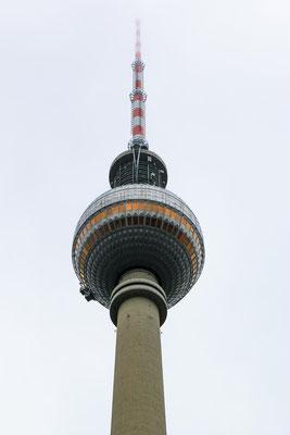 Der Fernsehturm, von fast überall aus zu sehen, steht im ehemalige Ostteil und wurde am 3. Okt. 1969 eröffnet