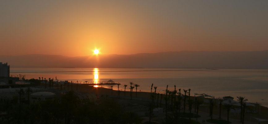 Sonnenaufgang am Toten Meer