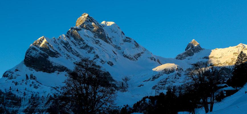 ... und auch den etwas weniger hohen Ortstock mit 2717 m