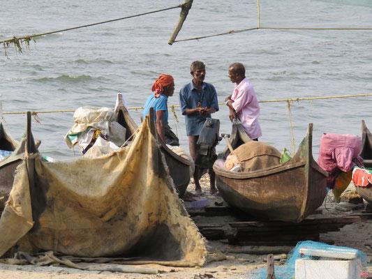 Fischer am Hafen in Cochin