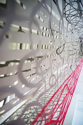 Jürgen Forster/Cornelia Rohde: Neunzehn Paper-Cuts Installation, 19 Teile à 290 x 53/26 cm, 2018