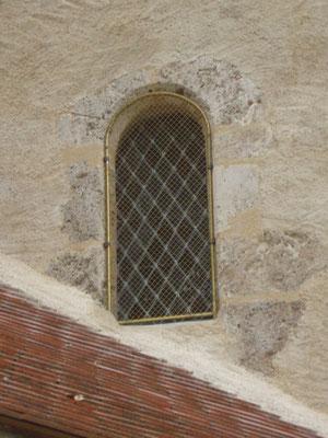 Eglise de CHAPEAU (03) 10 baies + bavettes et grilles de protection laiton