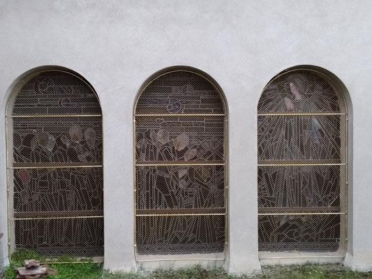 DIGOIN (71) Repiquages de pièces peintes et grilles laiton sur 6 baies