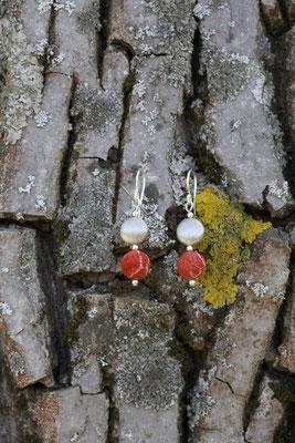 Art.Nr. 107b - Ohrhänger mit Schaumkoralle und Sterling-Silber