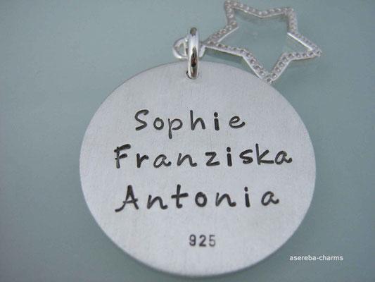 Silberkette als Geschenk für die Mami zur Geburt (z.B. drei Namen untereinander)