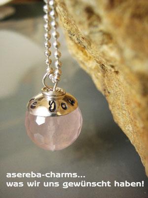 Edelstein-Charm mit beschriftbarer Silberkappe (Rosenquarz Gr. M, Kappe poliert)