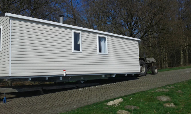 Nieuwe chalets voor camping bosbad zwinderen
