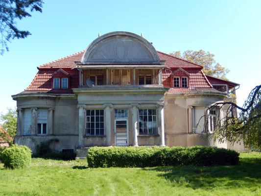 Garten-/Südseite - Mai 2014