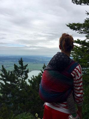 Ausblick vom Grat, Tragetuch: Oscha Braid Norse