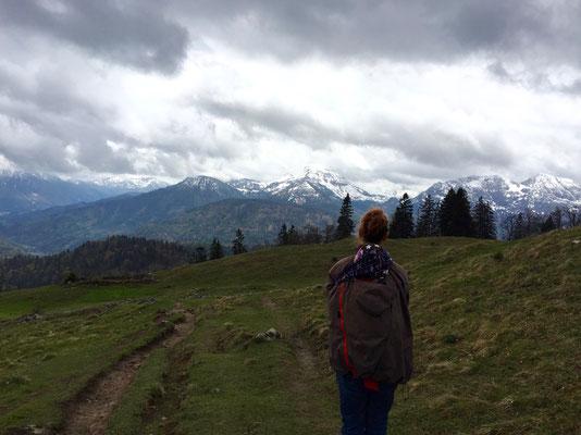 Ausblick vom Gipfel / Tragejacke: Mamalila Winterjacke für Zwei