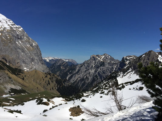 Ausblick in das Falzthurntal.