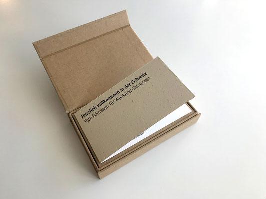 Flyer und Membercard mit hochwertiger Klappschachtel aus Naturpapier Braun und Magnetverschluss