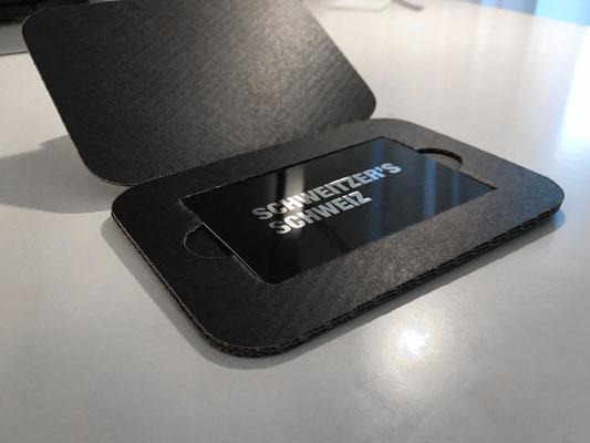 Membercard Heissfolienprägung auf Schwarz glänzendem Hintergrund