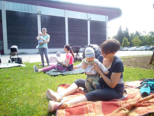 Abschließender Austausch und Picknick beim Kinderspielplatz Tobelbad