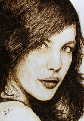 "Portrait ""Liv"" gebrannt auf Aquarellpapier"