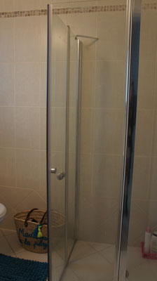2nd showerbathroomon 3rd bedroom
