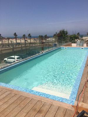 Belle piscine privée vue mer