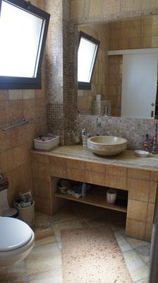 Parents bathroom