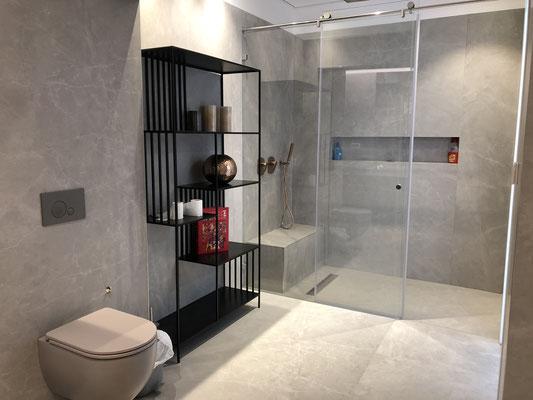 1ère  sdb avec douche