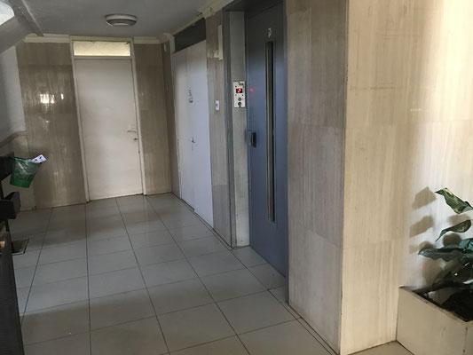 1 ascenseur