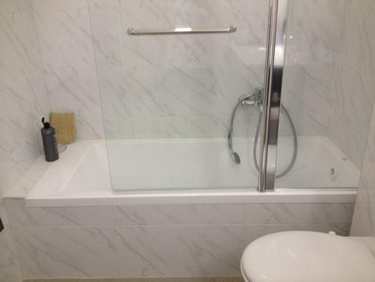 2ème SDB (baignoire)