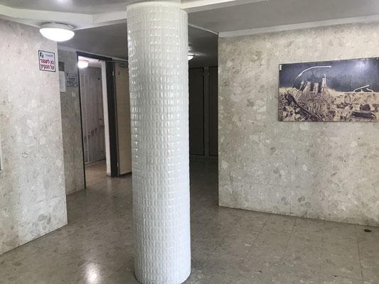 Lobby avec 1 ascenseur