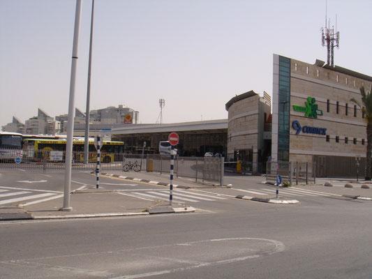 Station centrale de bus à proximité