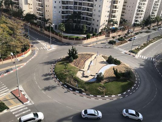 """Vue sur le rond point""""carte d'Israel"""""""