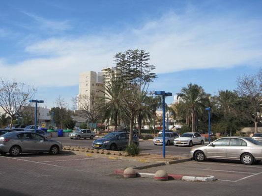 Parking et espace de jeux