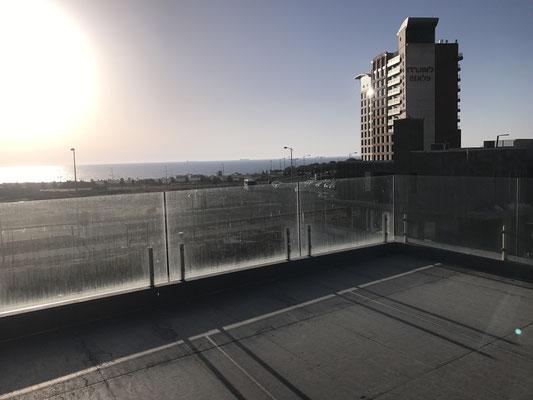 Terrasse de 100m2 sur le toit vue Mer imprenable