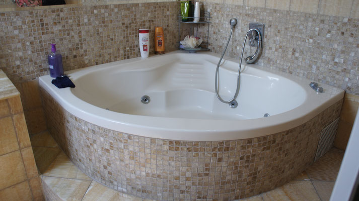 Salle de bain jacuzzi parents