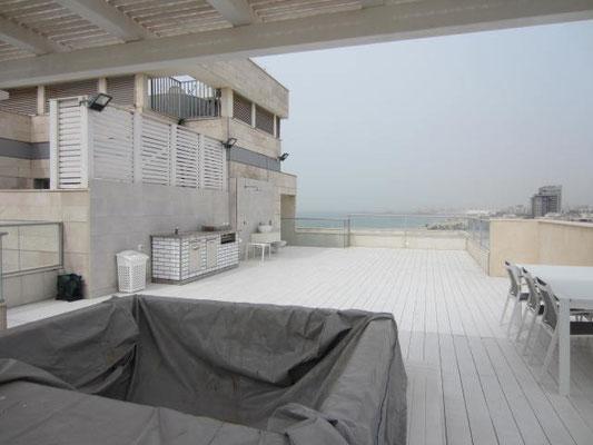 Grande terrasse en deck