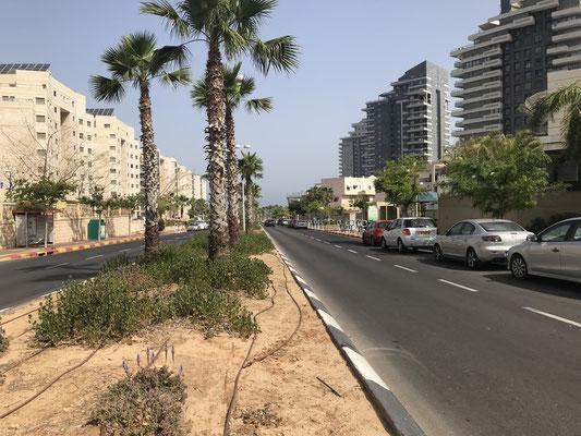 La plage est au bout de la rue