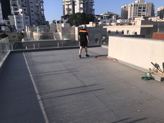 100m2 terrace on the roof
