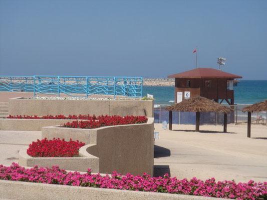 La plage la plus proche: Hof Gandi